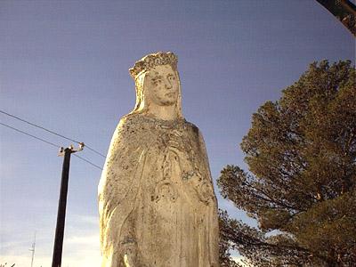 Estatua de la Virgen - Garzón