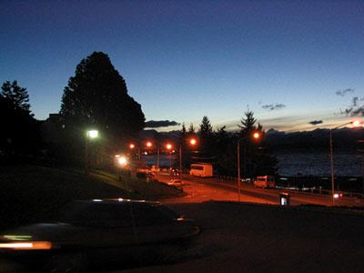 Anochecer en el Centro Cívico de Bariloche - Bariloche