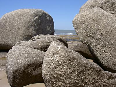 Formaciones rocosas en Punta del Diablo - Punta del Diablo