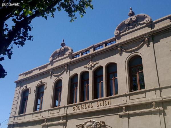 Teatro Sociedad y Uni�n de San Carlos.