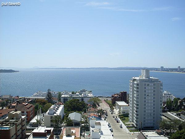 Vista desde el living hacia el sur sobre el océano Atlántico.