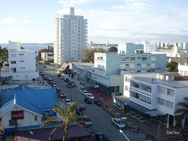 Vista exterior del apartamento, Península, bahía de Punta del Este y Océano Atlántico.<br>
