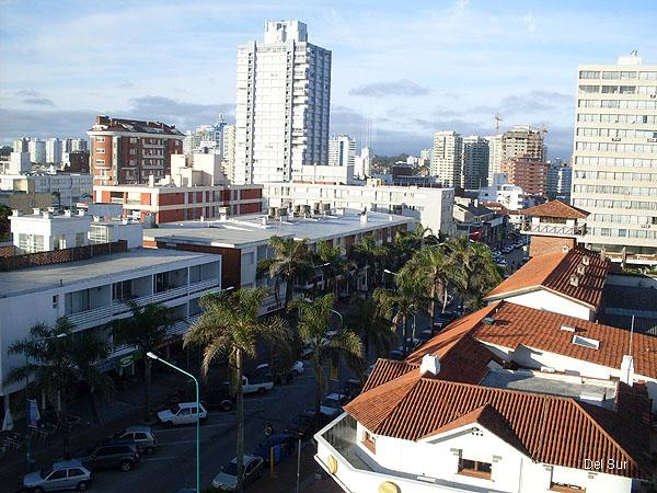 Vista de la Avenida Gorlero, principal arteria de la Península.