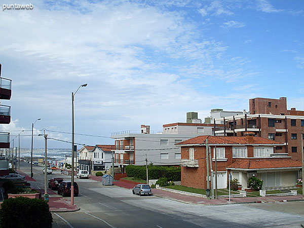 Calle 26 hacia playa El Emir.
