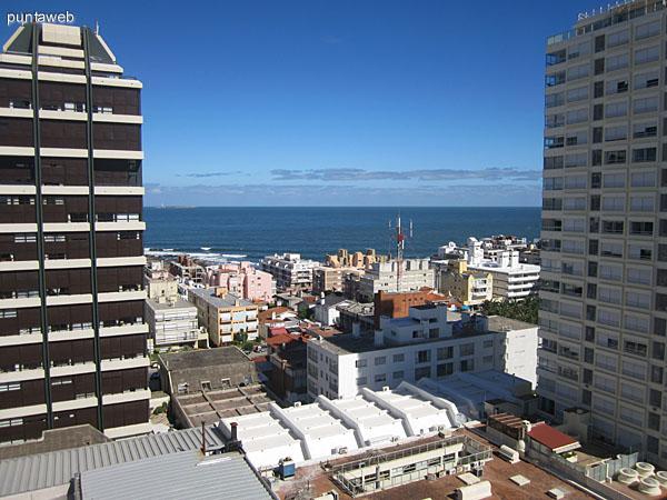 Vista desde el balcón terraza hacia la Av. Gorlero.