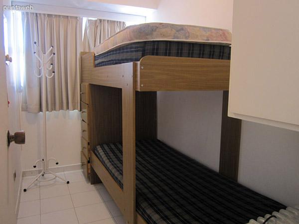 Baño compartido para los dos dormitorios.
