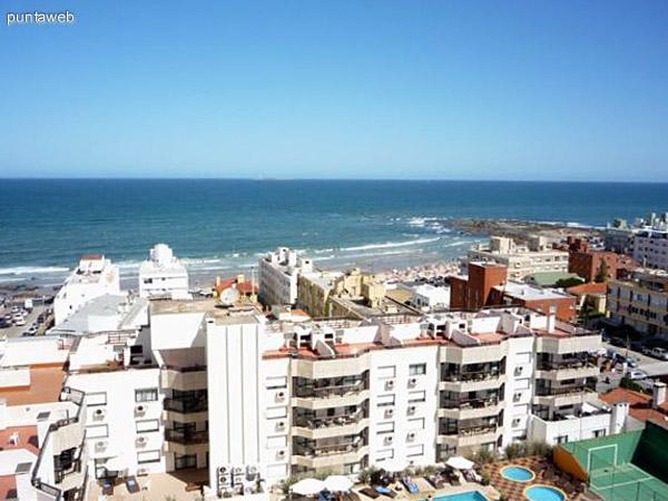 Vista hacia la playa El Emir.