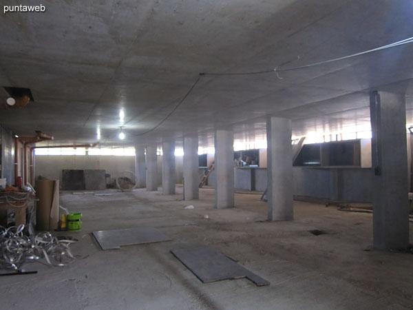 Garage. Cada apartamento cuenta con una unidad y baulera.