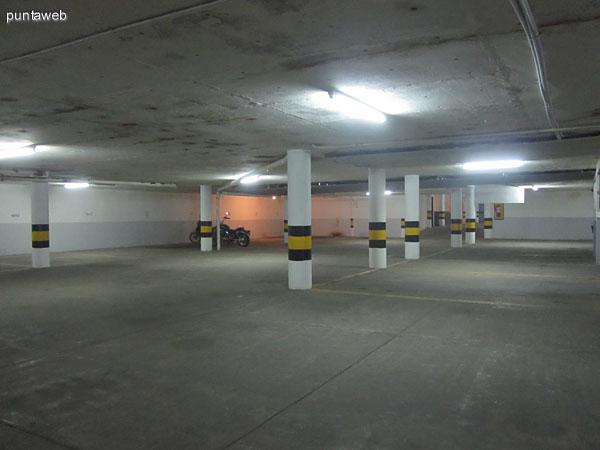 Garage en subsuelo.