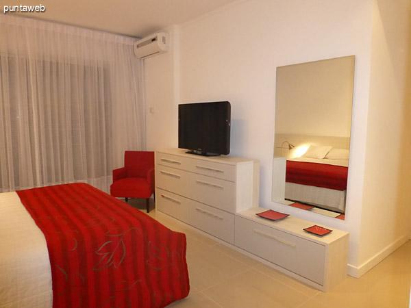 Dormitorio principal. Cuenta con ba�o en suite y terraza propia con vista hacia el sur y oeste.