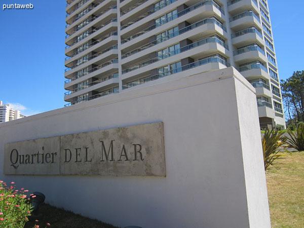 Quartier del Mar está ubicado en el fraccionamiento Lobos sobre la Av. del Mar a media cuadra de la Rambla Lorenzo Battle Pacheco sobre la playa Brava.