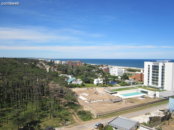 Facade of the building facing southeast.<br><br>The apartment overlooks the Atlantic Ocean on the Brava beach to the south and east and the peninsula of Punta del Este to the southwest.