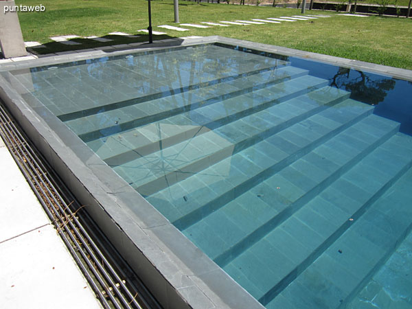 Detail design of the pool outdoors.