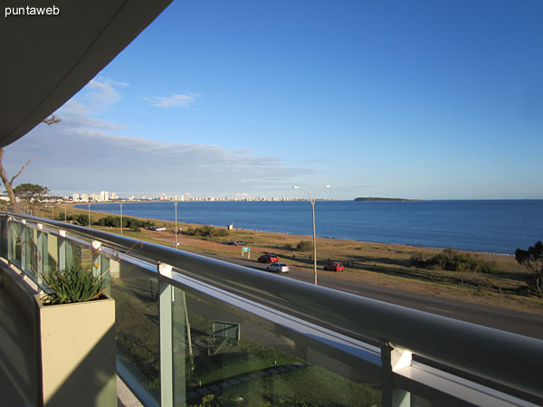 Facade of the building facing west toward the bay of Punta del Este in Pinares.<br><br>From front view over the sea and the sunsets of Punta del Este.