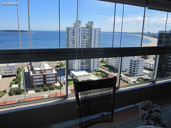 View of the bay of Punta del Este from the enclosed balcony next to the barbecue.