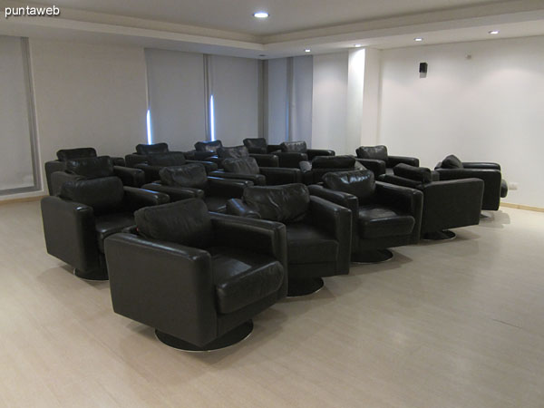 Microcine. Located on the ground floor on the north side before accessing the environment heated pool and spa.