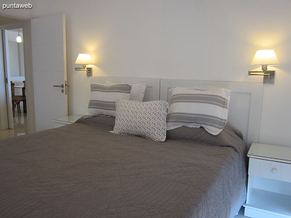 Suite room. Located on the east corner of the building facing toward the front of the Brava beach and towards the west side.<br><br>Equipped with a double bed, flat–screen TV, air conditioner.<br><br>The bathroom has a shower and glass screen and shelf space.