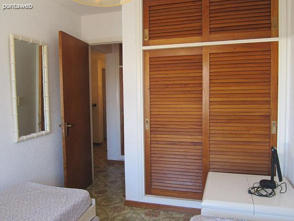 Detalle de la cama marinera en el segundo dormitorio.