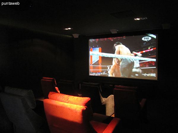 Modernísima sala de cine.