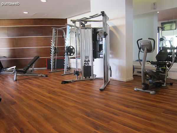 Overview of the gym equipment.