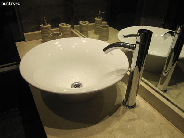 Baño de la suite, interior.
