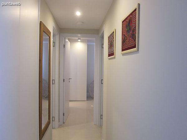 Vista general del balcón terraza del apartamento.<br><br>Se accede desde los tres ambientes del apartamento.