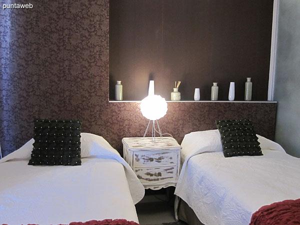 Segundo dormitorio. Equipado con dos camas individuales.<br><br>Cuenta con aire acondicionador.