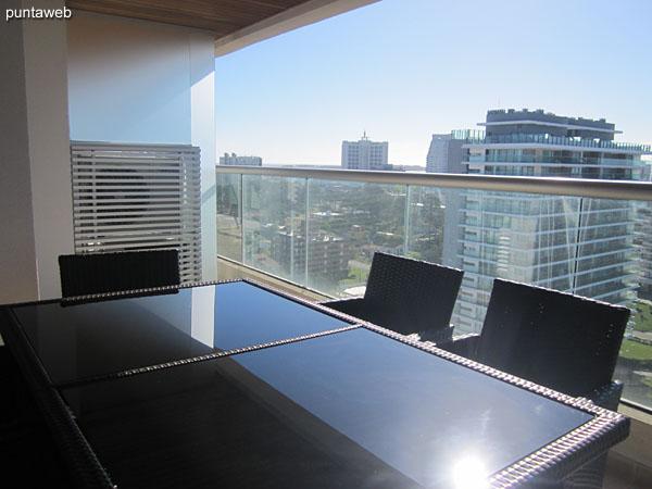Acceso al balc�n terraza desde el living comedor.