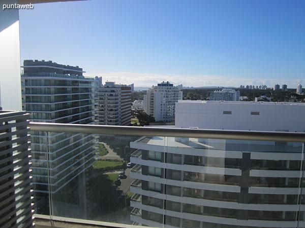 Vista hacia el norte sobre entorno de barrios residenciales desde el lavadero.