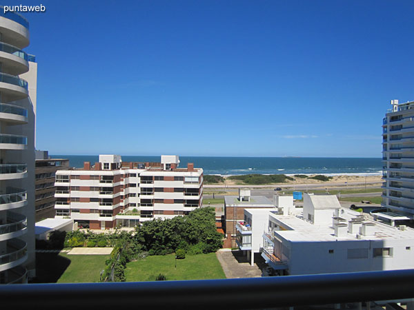 View to the sea, facing south, on the Brava beach from the terrace balcony.