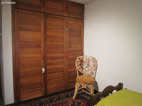 Second bedroom, located towards the quiet part of the building. Equipped with two single beds.