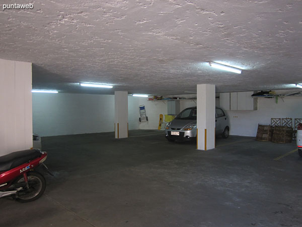 Access to underground garage. The apartment has an exclusive space.