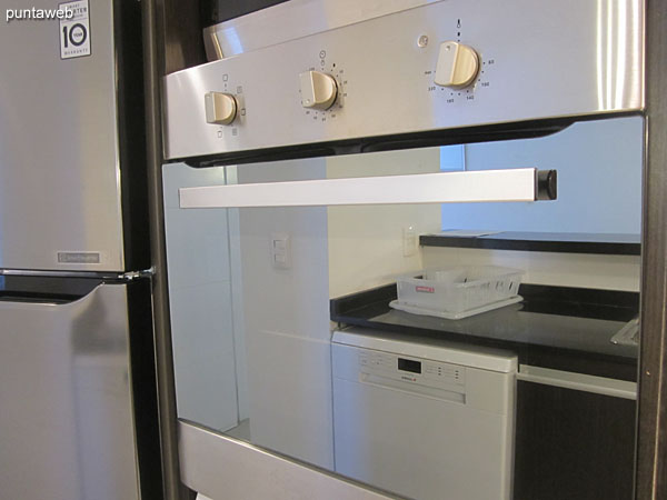 Detail of electric oven and microwave oven.