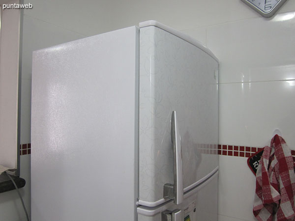 Fridge with freezer.