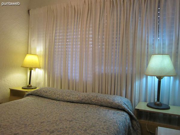 Bedroom. Equipped with air conditioning and ceiling fan.<br><br>Conditioned with double bed.