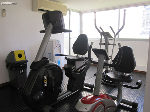 Fitness center. Located towards the west side and quiet part of the building. Equipped with ribbons, fixed bikes and weight equipment.