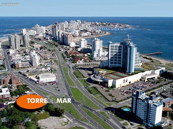 Vista aérea del terreno y entorno donde se ubica Torre del Mar.