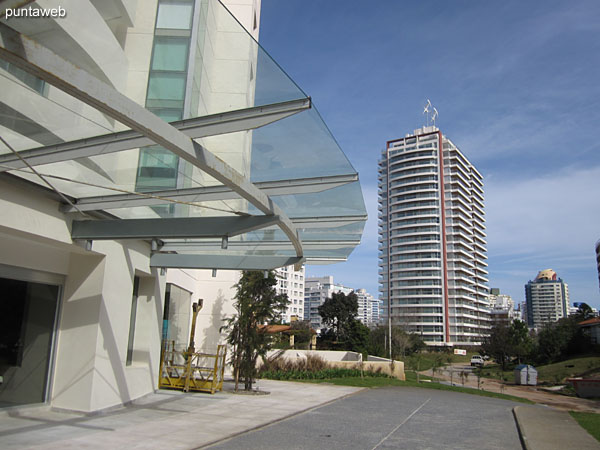 Vista desde el balcón terraza hacia la playa Brava.