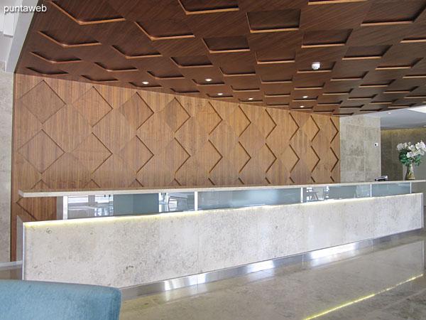 Uno de los ambientes en el lobby.