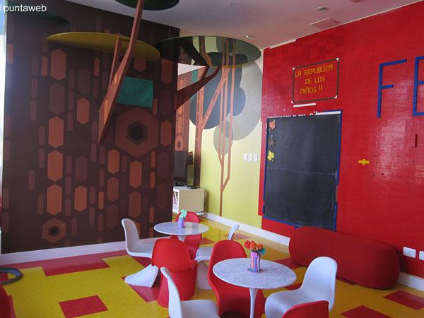 Vista general del espacio para niños.