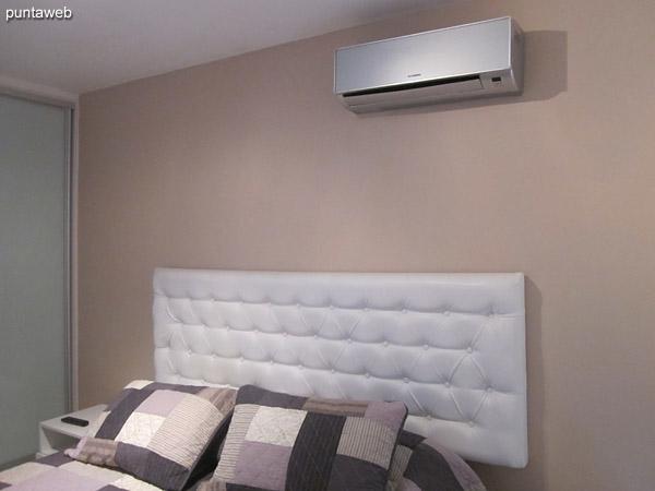Aire acondicionado en el dormitorio.