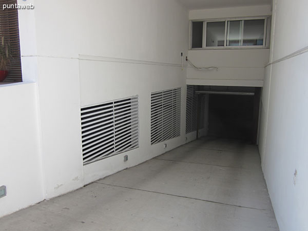 Access to the garage in the basement. The apartment has a unit.