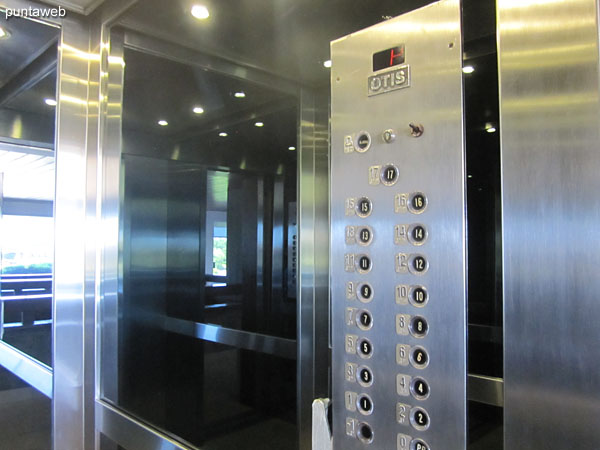 The building has four main elevators, two per sector and two service elevators.