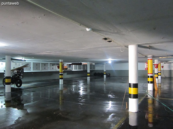 General view of the underground garage. The apartment has its own and fixed space.