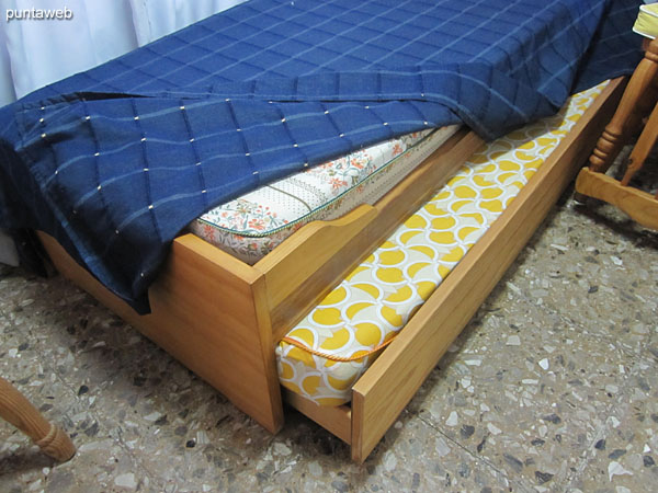 Detail of marine bed with capacity for two additional people in the master suite.