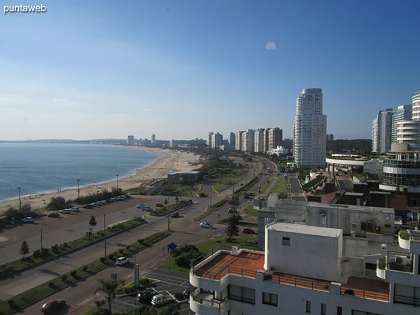 View towards the bay of Punta del Este along the Mansa beach from the window of the service bedroom.