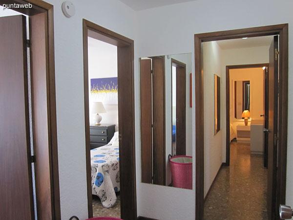 Pasillo de acceso a los dormitorios. La suite cuenta con su propio pallier.