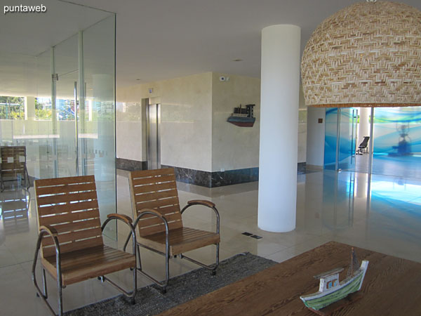 Atmosphere of being in the lobby of the building.