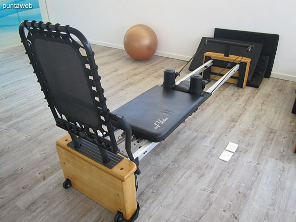 In this block III is the gym, very spacious and bright.<br><br>It has fixed bicycles, ribbons, weight equipment and beds for Pilates.