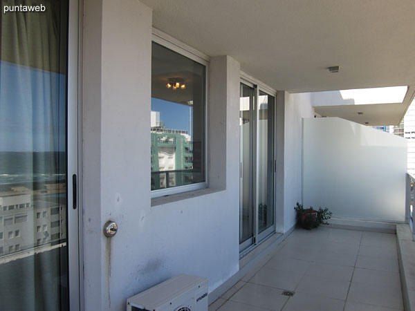 Balcony covered terrace. Accessible from living room and suite.<br><br>It has folding chairs.